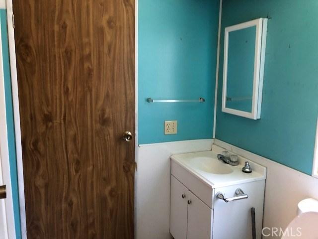 14895 Lotawana Avenue, Clearlake CA: http://media.crmls.org/medias/fa1f3b4e-68dc-476d-b9c3-1ad5b54ccf23.jpg