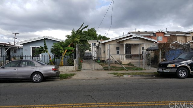 Additional photo for property listing at 9910 Compton Avenue  Los Angeles, California 90002 United States