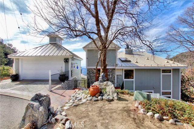 Casa Unifamiliar por un Venta en 6452 Spruce Avenue 6452 Spruce Avenue Angelus Oaks, California 92305 Estados Unidos