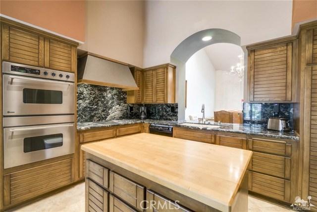 54648 Inverness Way, La Quinta CA: http://media.crmls.org/medias/fa2c3f8e-a42a-4780-b8c6-915d94fa7eb6.jpg
