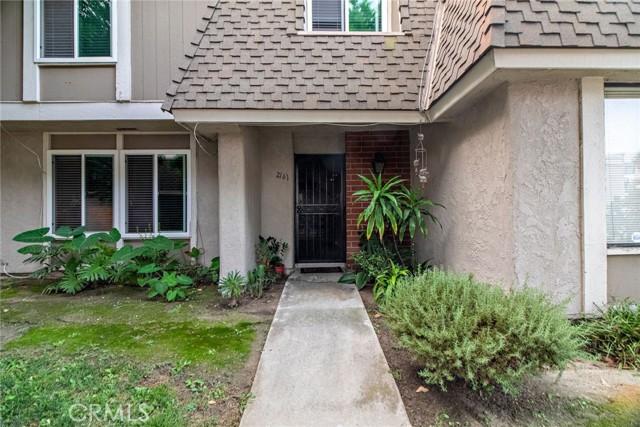 2161 W Wellington Circle, Anaheim CA: http://media.crmls.org/medias/fa3aa40a-7a78-45df-9baf-17c8accadd43.jpg
