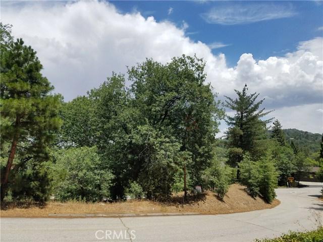 28310 Bern Lane, Lake Arrowhead CA: http://media.crmls.org/medias/fa3dc56c-a303-4aba-bfc5-2e043833a384.jpg