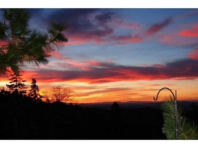 283 Fairway Drive, Lake Arrowhead CA: http://media.crmls.org/medias/fa42cf11-ce2a-40d7-aecc-01d5cbc3c25a.jpg