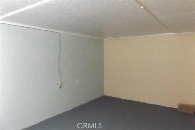 10766 San Jacinto Street, Morongo Valley CA: http://media.crmls.org/medias/fa43a68c-5032-493a-a6e7-92652a4e400a.jpg