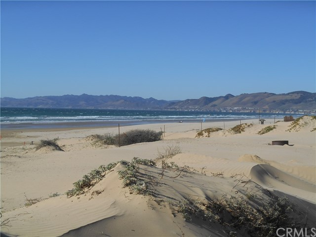 1358 Strand Way, Oceano CA: http://media.crmls.org/medias/fa4efe6d-a404-423e-993f-9280a4d70f83.jpg