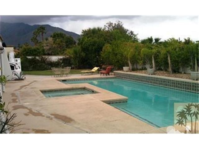 1420 Rosarito Way, Palm Springs CA: http://media.crmls.org/medias/fa511a6b-f073-46db-b2bb-f216776f3b4f.jpg