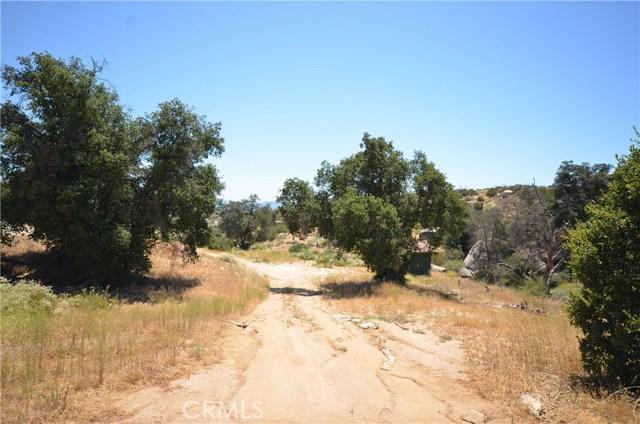 35052 Hobbiton Road, Sage CA: http://media.crmls.org/medias/fa5d6789-a073-46e2-8298-4a6a74585696.jpg