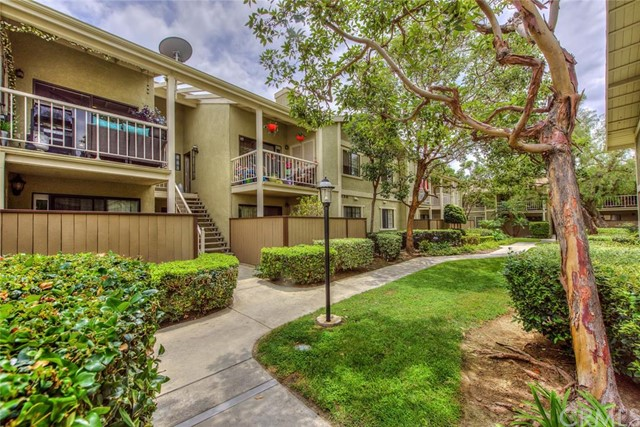 Condominium for Sale at 1111 Packers St # 18 Tustin, California 92780 United States