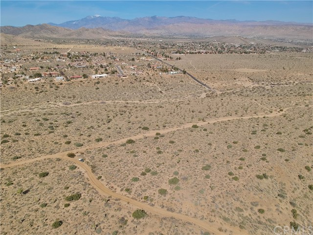 1234 Indio Avenue, Yucca Valley CA: http://media.crmls.org/medias/fa62afe4-4427-4f18-9f3f-b6e8be0e0c8a.jpg