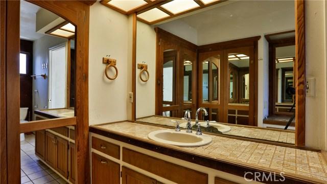 823 Glendenning Way, San Bernardino CA: http://media.crmls.org/medias/fa66464f-5080-4ed7-82a9-29640d2632e6.jpg