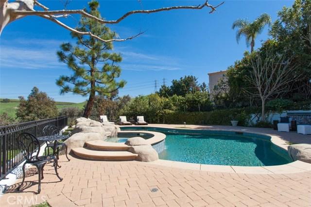 27972 Golden Ridge Lane, San Juan Capistrano CA: http://media.crmls.org/medias/fa66c6a4-754b-4b5d-bf71-9859843d46a7.jpg