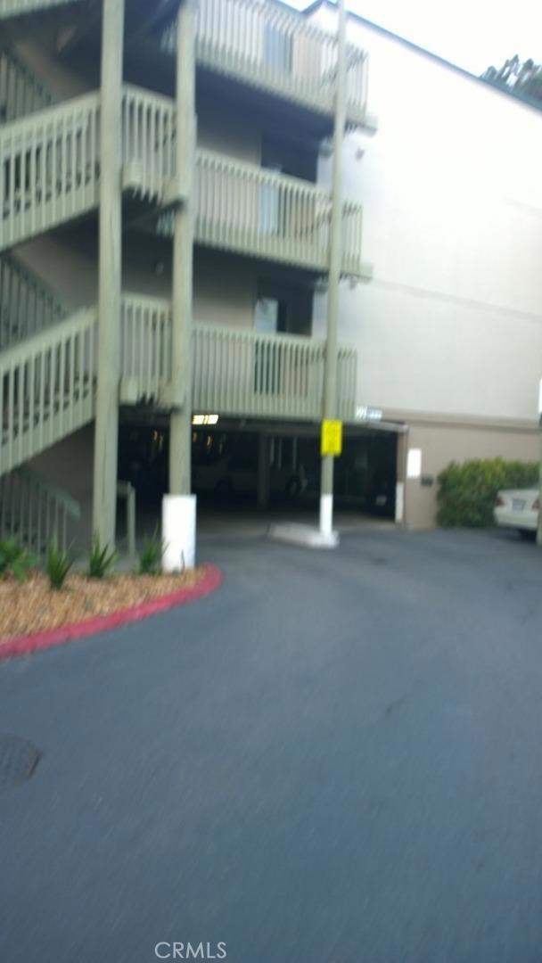391 Mandarin Drive, Daly City CA: http://media.crmls.org/medias/fa696375-7ec5-4bc9-801a-8eafe4971d45.jpg