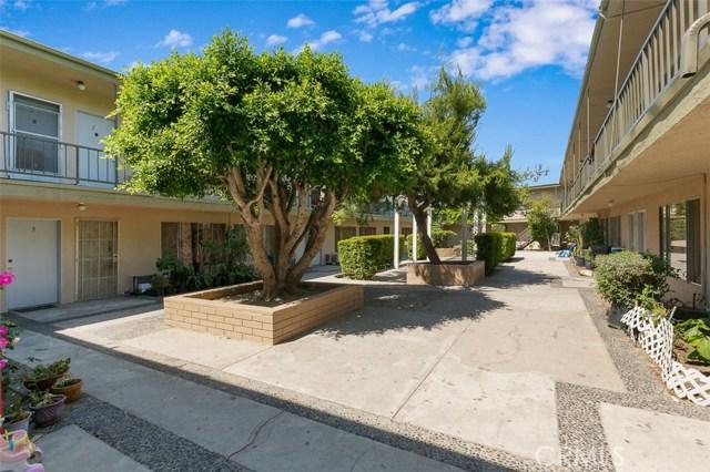 6933 Rosemead Boulevard, San Gabriel CA: http://media.crmls.org/medias/fa6f1cdd-bafe-4f66-af60-bf8dd571cd7a.jpg