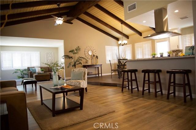 17850 Rancho Bonita, Victorville CA: http://media.crmls.org/medias/fa7521a2-85d8-4382-b13a-6a92f1a8d721.jpg