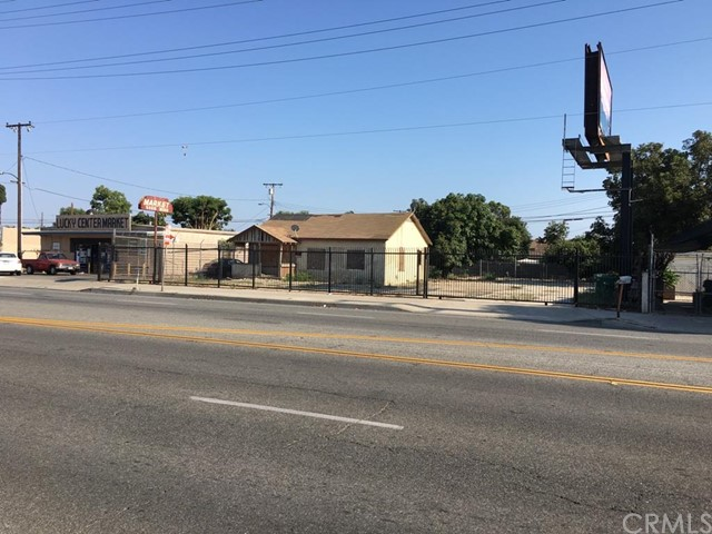 Single Family for Sale at 3506 5th Street Santa Ana, California 92703 United States