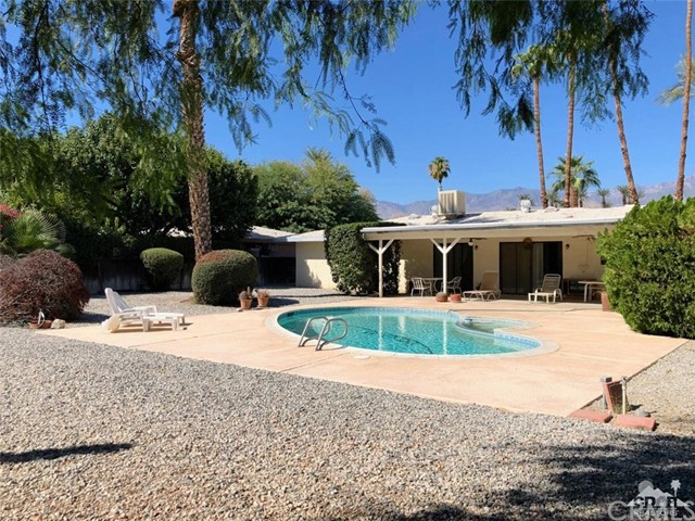 37010 Palmdale Road, Rancho Mirage CA: http://media.crmls.org/medias/fa82c0fa-8da1-47cc-b2ad-c125d49c8e2a.jpg