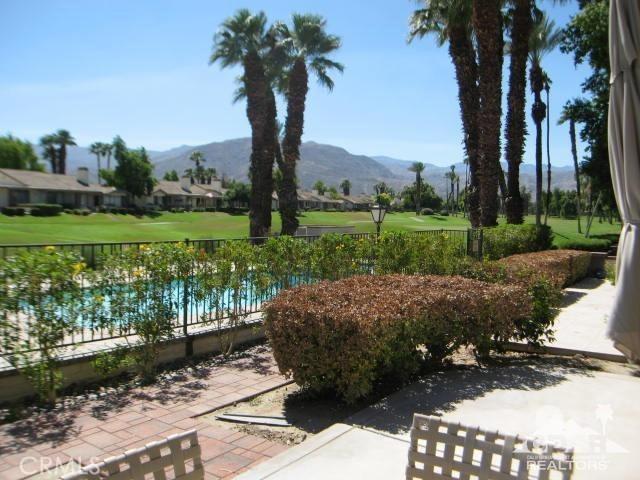 259 Calle Del Verano, Palm Desert CA: http://media.crmls.org/medias/fa832d32-a339-42a6-ab23-f4280bc64f42.jpg