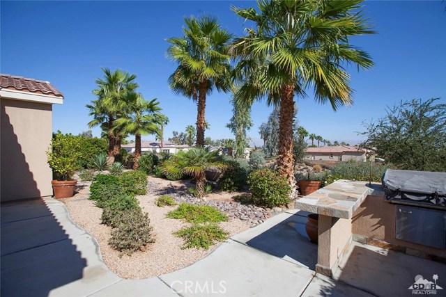 61282 Sapphire Lane, La Quinta CA: http://media.crmls.org/medias/fa8480f8-3a6e-4d65-868d-667059767d3e.jpg