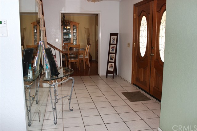435 E Camden Street, Glendora CA: http://media.crmls.org/medias/fa8a87c0-bb63-4eee-8261-b16a7f2fef75.jpg