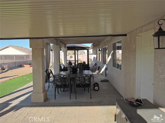 57130 Selecta Avenue, Yucca Valley CA: http://media.crmls.org/medias/fa8b0626-7ee5-4e30-b926-ddff86d807d5.jpg