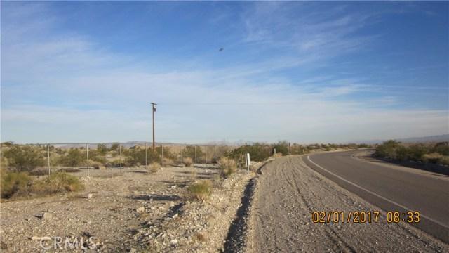1 Highway 95, Needles CA: http://media.crmls.org/medias/fa939c41-6fe4-4467-953f-a668c564a967.jpg