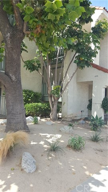 4515 California Avenue, Long Beach CA: http://media.crmls.org/medias/fa96214a-afc8-4dd7-b349-2cc78a663408.jpg