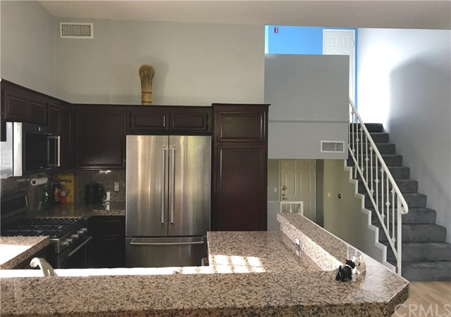 11445 Moorpark Street Unit 18 North Hollywood, CA 91602 - MLS #: BB18153023