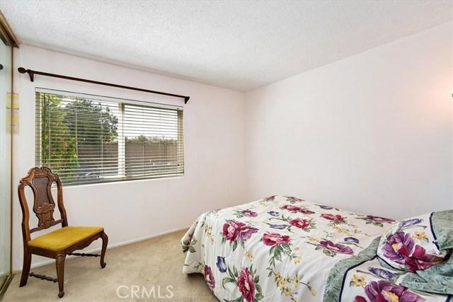 1465 Fernando Avenue, Upland CA: http://media.crmls.org/medias/faa36356-71f2-4063-93b8-0634e2d7da8e.jpg