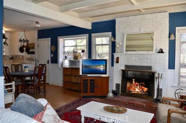 416 Vista Lane, Big Bear CA: http://media.crmls.org/medias/fab1947b-63c2-411d-99a5-555609859db7.jpg