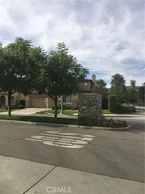 1825 Glen Rosa Street, Upland CA: http://media.crmls.org/medias/fab3ba9c-85b8-4523-a7ec-e11ce9baf963.jpg