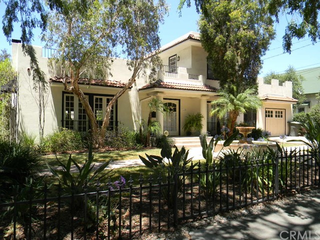 Single Family Home for Sale at 1111 HarvardAvenue Claremont, California 91711 United States
