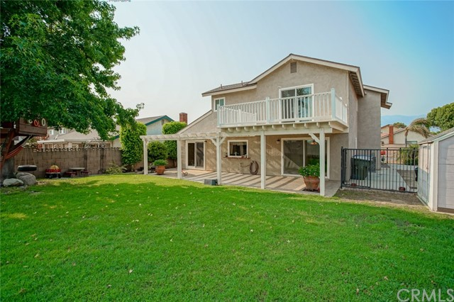 1150 E Saint Andrews Street, Ontario CA: http://media.crmls.org/medias/face0033-0e86-47a3-9db0-1572857b52a2.jpg