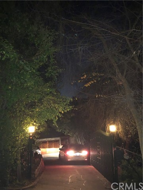 1574 Dorothea Road, La Habra Heights CA: http://media.crmls.org/medias/fad06b84-63ae-4f30-aa8b-4cb6acad53cc.jpg