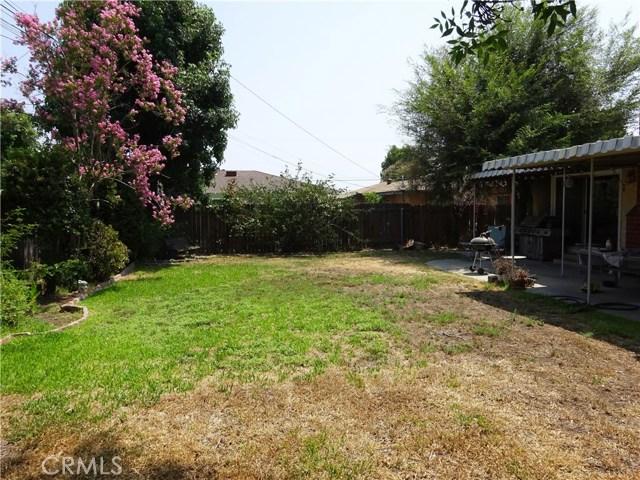 1106 N Pasadena Avenue, Azusa CA: http://media.crmls.org/medias/fad4353c-00a5-480f-a77c-79b707d98c07.jpg