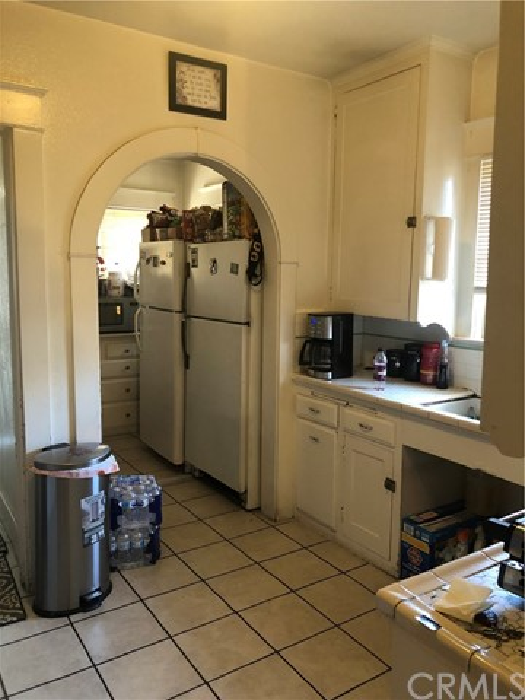 1625 E Olive Avenue, Fresno CA: http://media.crmls.org/medias/fad77e21-0eba-4aa4-8d18-c4635bf6d583.jpg