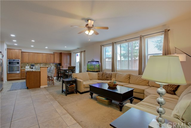 2057 Canon Persido Court, Atwater CA: http://media.crmls.org/medias/fadc6006-3428-4774-a397-4cbbff19c0fd.jpg