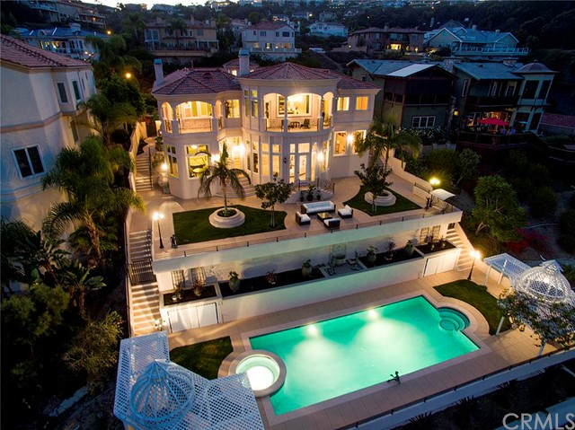 Single Family Home for Sale at 32 Via Del Tesoro St San Clemente, California 92673 United States