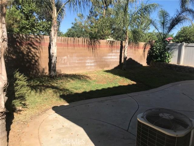 949 Spica Drive, Beaumont CA: http://media.crmls.org/medias/faf7e3a2-e2de-48ce-bc85-1db079f18703.jpg