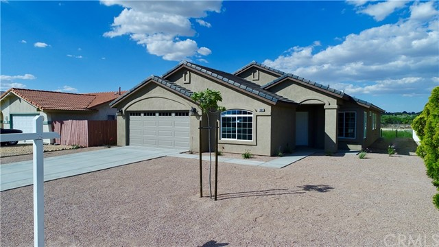 13901 Driftwood Drive, Victorville CA: http://media.crmls.org/medias/faf8d239-6fcc-4baf-b7ad-cd0f2dc6c46d.jpg