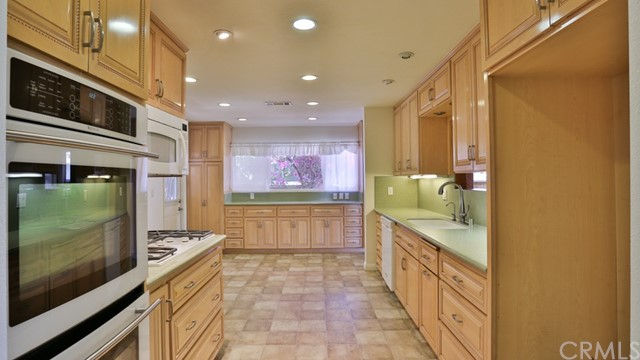 1421 W Apollo Av, Anaheim, CA 92802 Photo 8