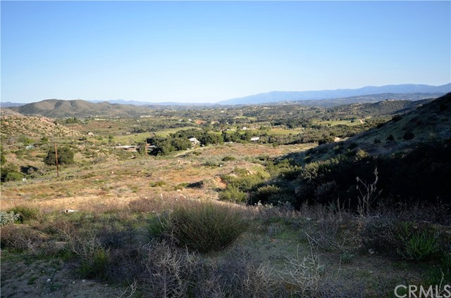 34634 Black Mountain, Temecula CA: http://media.crmls.org/medias/fb0df12b-70d8-4a02-8535-7547b0270082.jpg