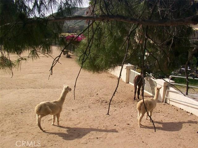 9229 Box Springs Mountain Road, Moreno Valley CA: http://media.crmls.org/medias/fb122581-17a4-4bda-8eea-411c2260fa73.jpg