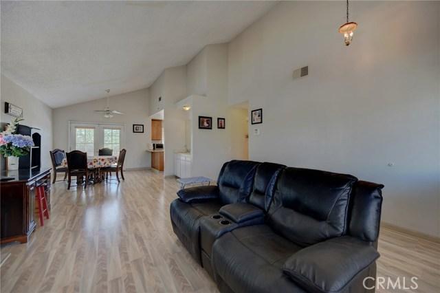 8373 9th Street, Rancho Cucamonga CA: http://media.crmls.org/medias/fb142622-360a-42d2-832c-5f12b82eef3e.jpg