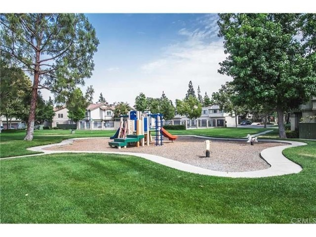10171 Indian Summer Drive, Rancho Cucamonga CA: http://media.crmls.org/medias/fb203dfc-dbcc-4ecb-8187-6bc89b2b4483.jpg