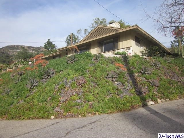 Single Family Home for Sale at 4928 Lowell Avenue 4928 Lowell Avenue Glendale, California 91214 United States