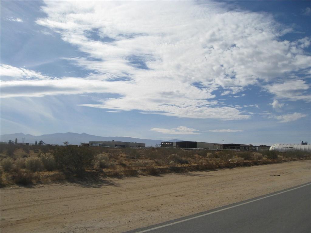 11111 Rancho, Adelanto CA: http://media.crmls.org/medias/fb33664c-1c2a-4a76-83c0-5821cdc8e1e2.jpg