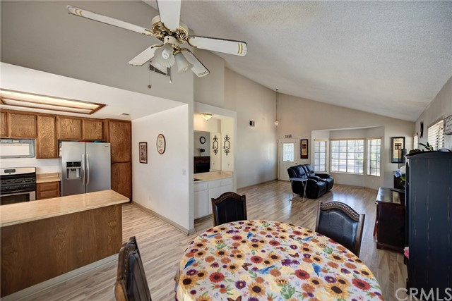 8373 9th Street, Rancho Cucamonga CA: http://media.crmls.org/medias/fb3499e9-dd30-4c0e-b4c4-fc0e97cedbb4.jpg