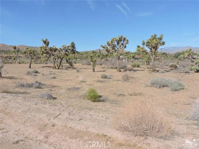 8040 Sage Avenue, Yucca Valley CA: http://media.crmls.org/medias/fb461acb-7192-4b3f-b349-b979f0726a2d.jpg