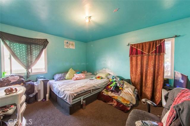 4211 Abbott Road, Lynwood CA: http://media.crmls.org/medias/fb4fbf40-ea47-4507-be0d-7c6910bd7276.jpg
