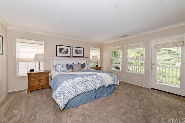 9 Franklin Way, Ladera Ranch CA: http://media.crmls.org/medias/fb5b57fd-cc2e-4092-90aa-58c2171ec97c.jpg